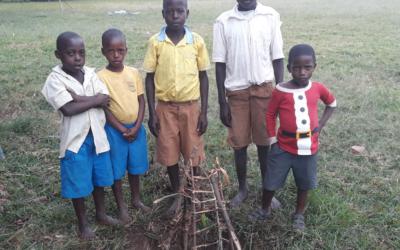 Foto-dokumentation på plads for Uganda-plantninger